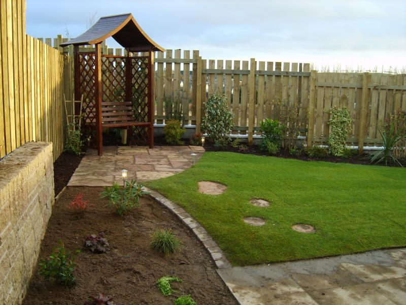 Show homes barratts oldmeldrum beechwood services ltd for Home garden landscape designs